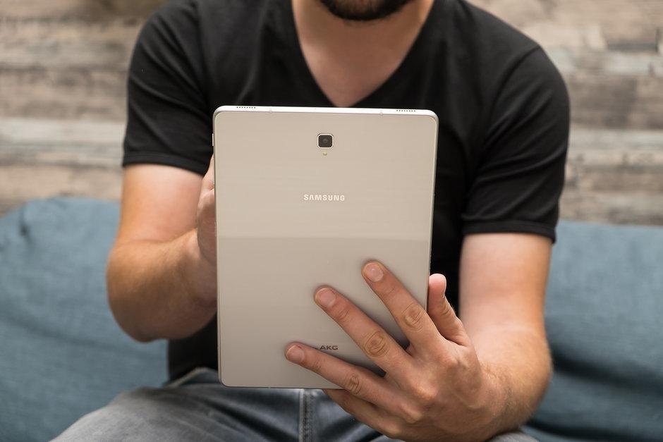 СМИ: Samsung готовит увеличенные версии Galaxy Fold