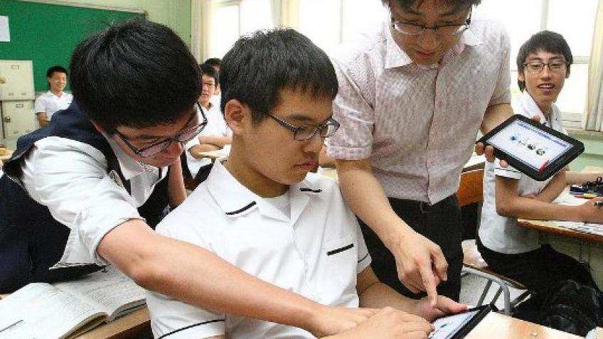 Планшетные компьютеры заменят учебники в южнокорейских школах