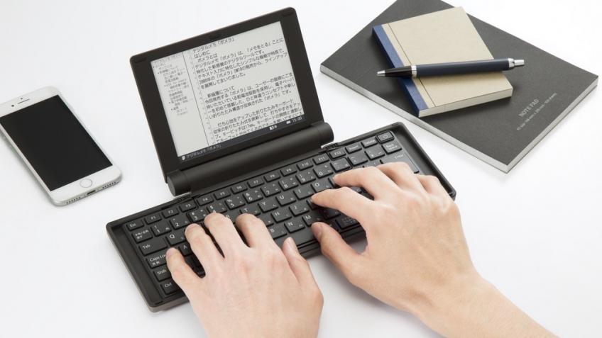 На Kickstarter появилась пишущая машинка с дисплеем E-Ink