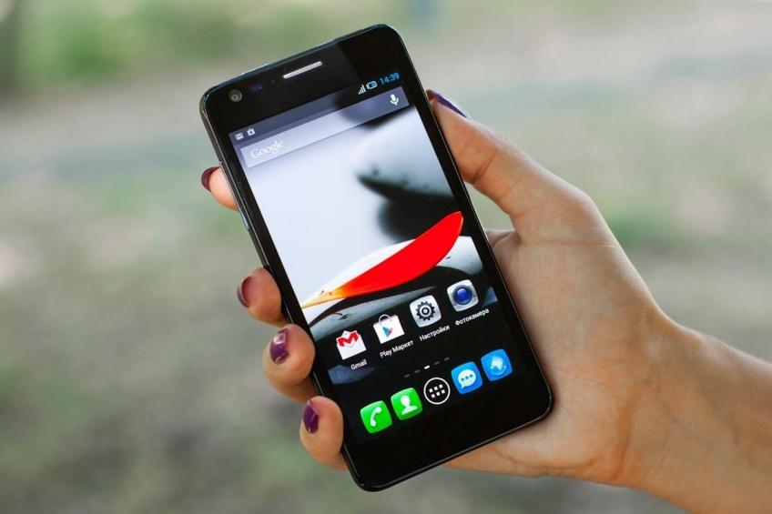 В России могут ввести платную регистрацию мобильников и не только