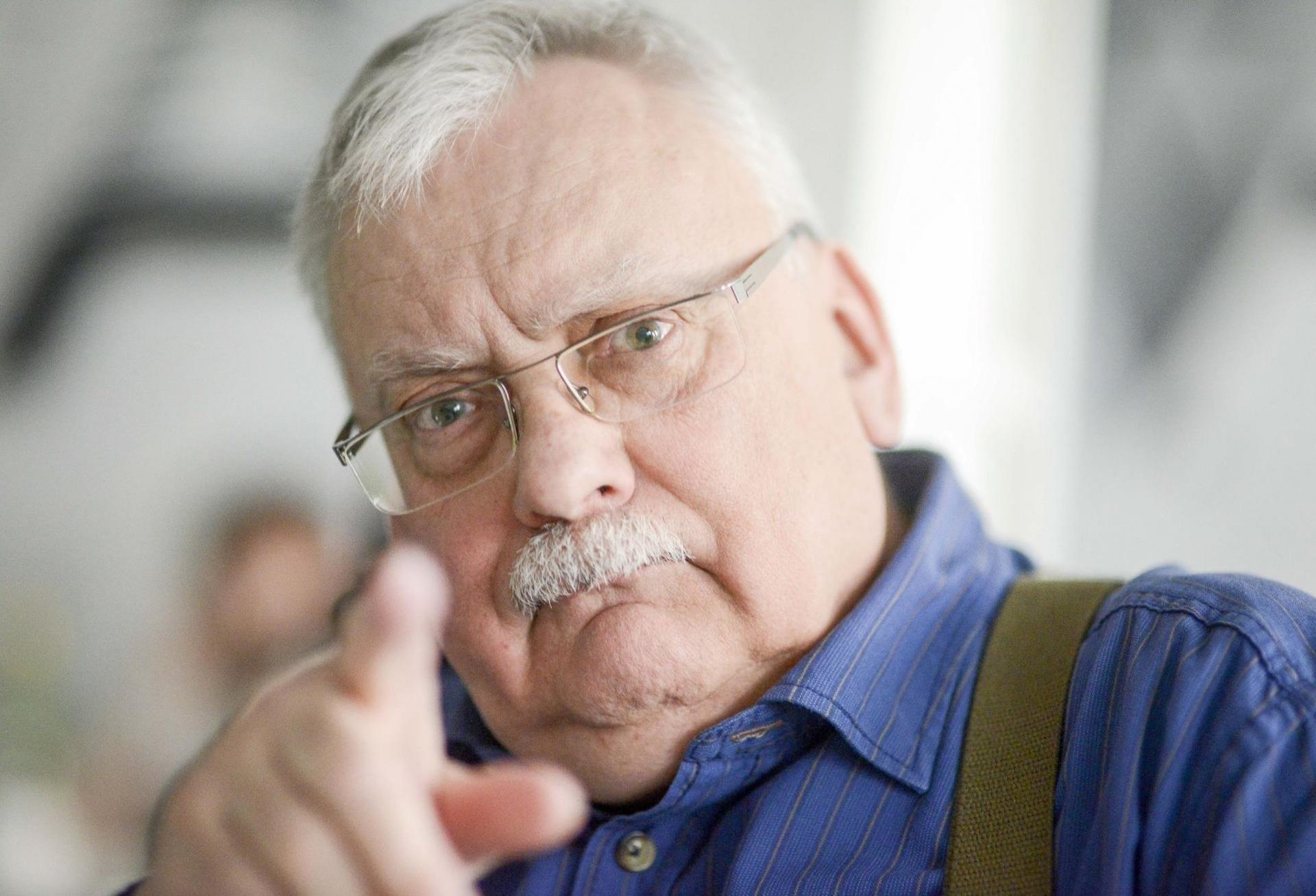 Шоураннер сериала «Ведьмак» Лорен Хиссрич взяла интервью у Анджея Сапковского