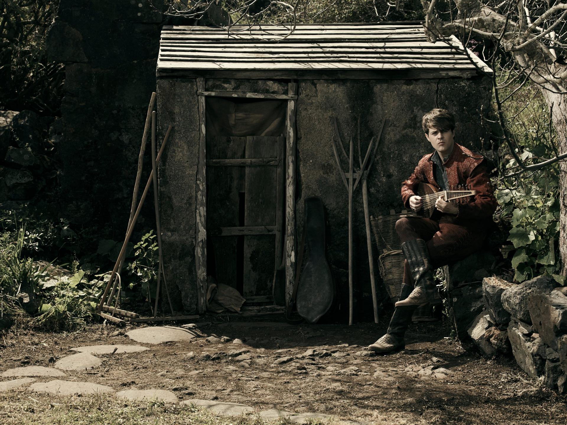 Авторы «Ведьмака» Netflix опубликовали новый фотосет с Лютиком