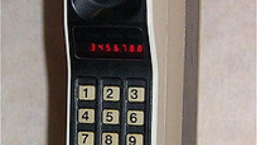Сотовые телефоны становятся тоньше