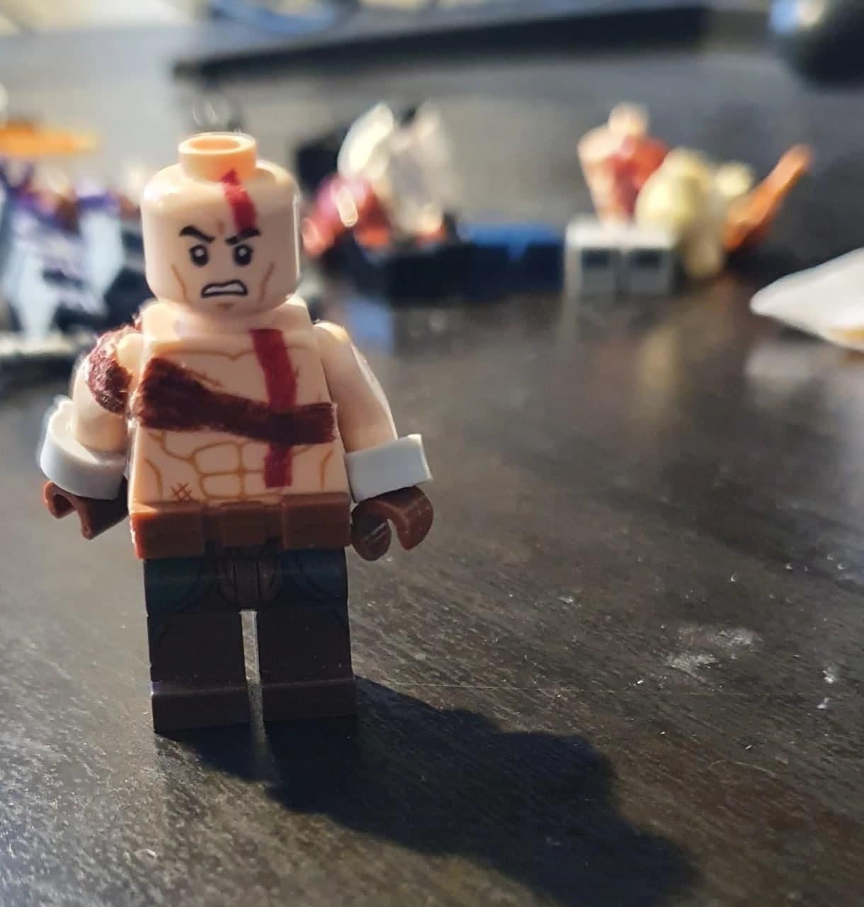 Поклонник God of War создал LEGO-версии Кратоса и Атрея5