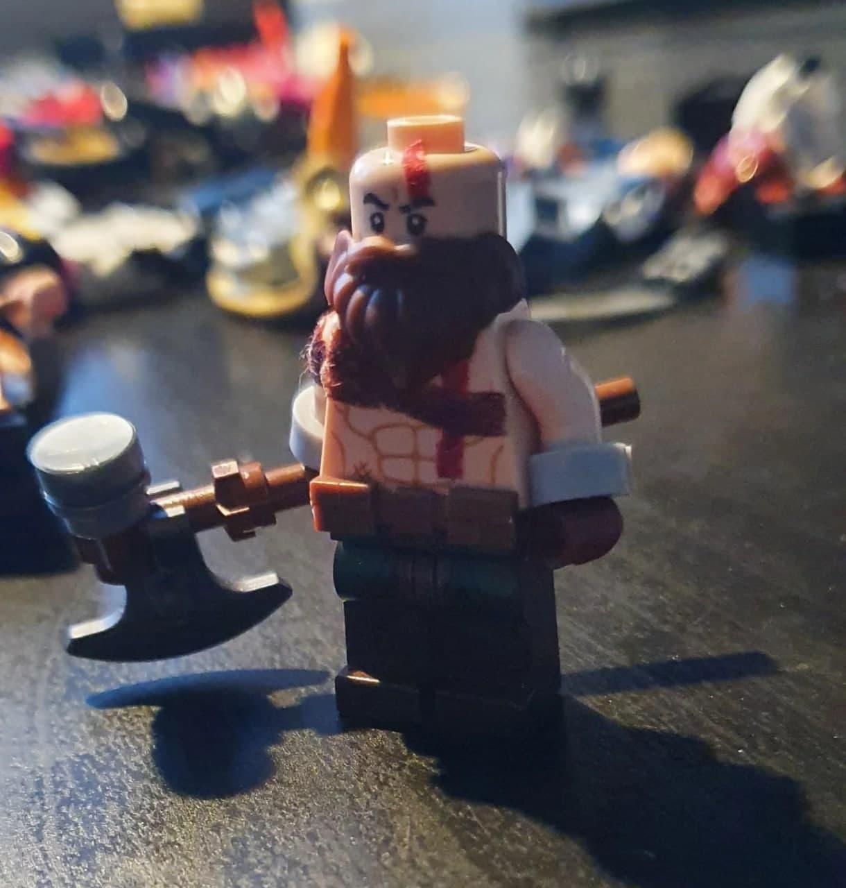 Поклонник God of War создал LEGO-версии Кратоса и Атрея4