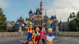 Disney уволит28 тысяч сотрудников своих парков развлечений