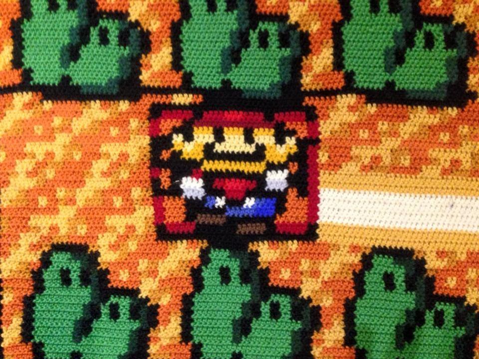 Норвежский программист шесть лет вязал ковер по мотивам Super Mario