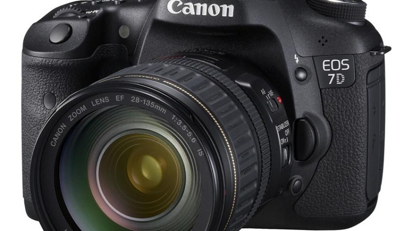 Canon EOS 7D официально