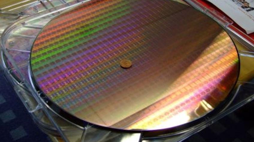 Intel рассматривает контрактное производство на своих фабриках