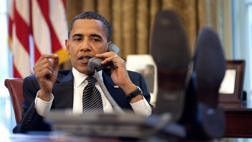 Барак Обама не позволил запретить продажу в США старых iPhone