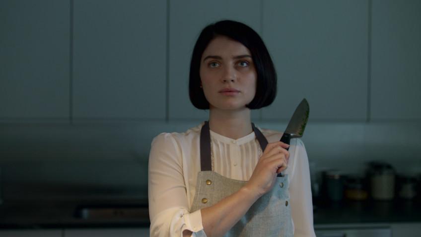 Netflix представил трейлер триллера «В её глазах» от авторов «Ганнибала»