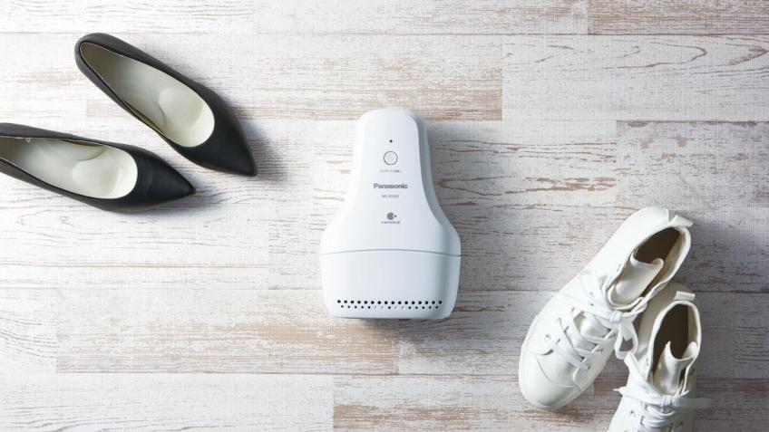 Panasonic представила электронный «освежитель» для обуви