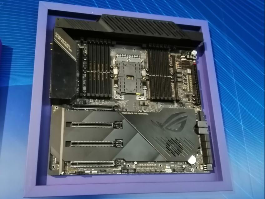 Xeon W-3175X — 28-ядерный процессор с разгоном уже можно предзаказать