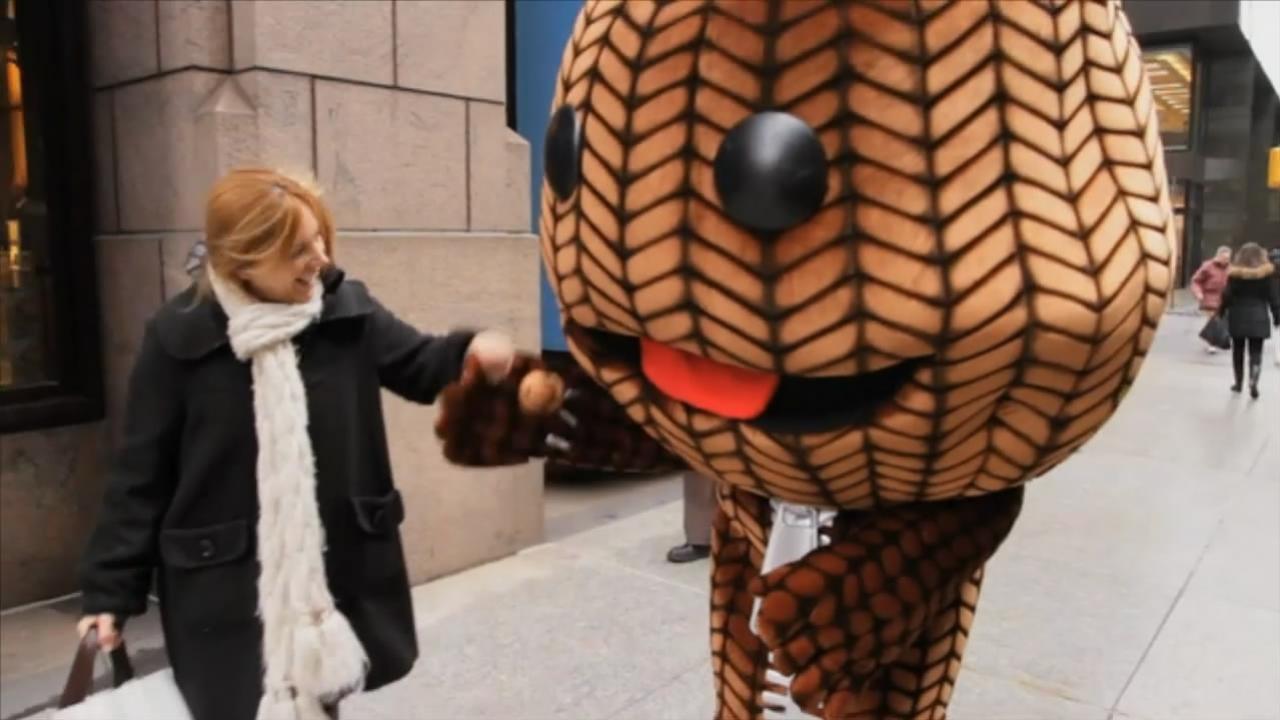 LittleBigPlanet2 - Sackboy Takes Manhattan Video